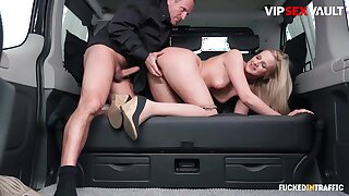 Chauffeur chafes milf client's pussy w everlasting cock